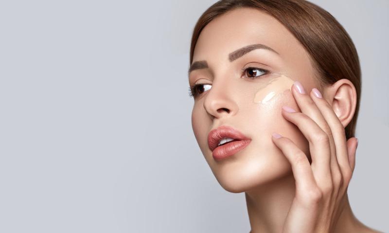 Изучайте препараты для макияжа